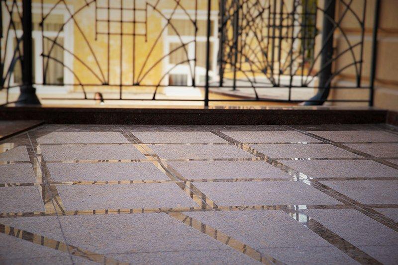 Підлога з мармуру в Луцьку