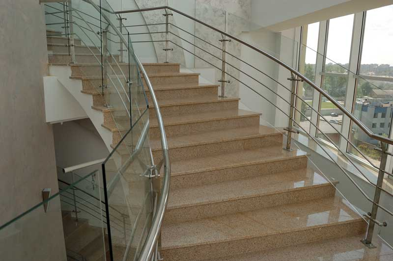 гранітні сходи в Львові